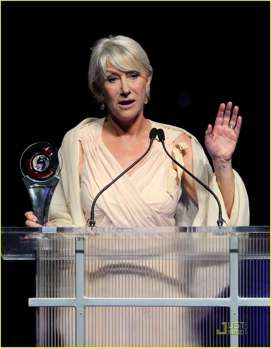 helen mirren russell brand cinemacon awards 2011 032532025