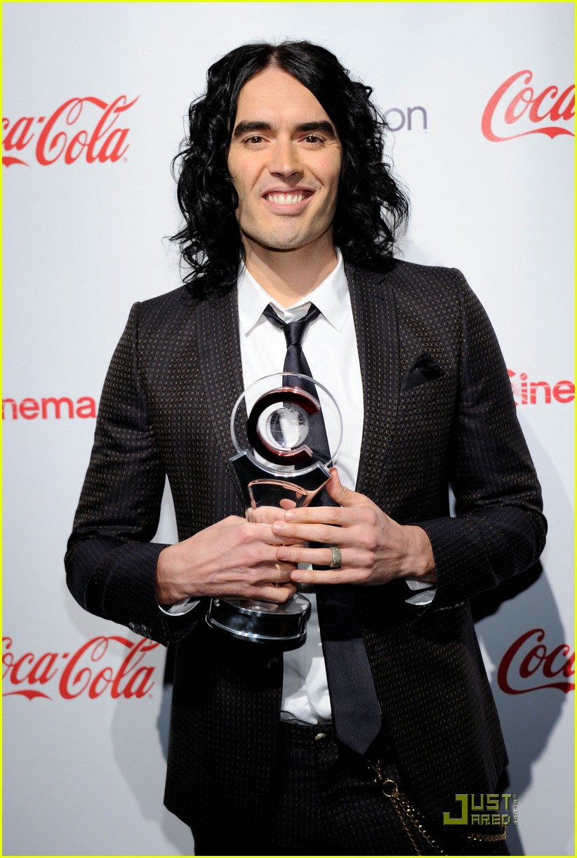 helen mirren russell brand cinemacon awards 2011 082532030
