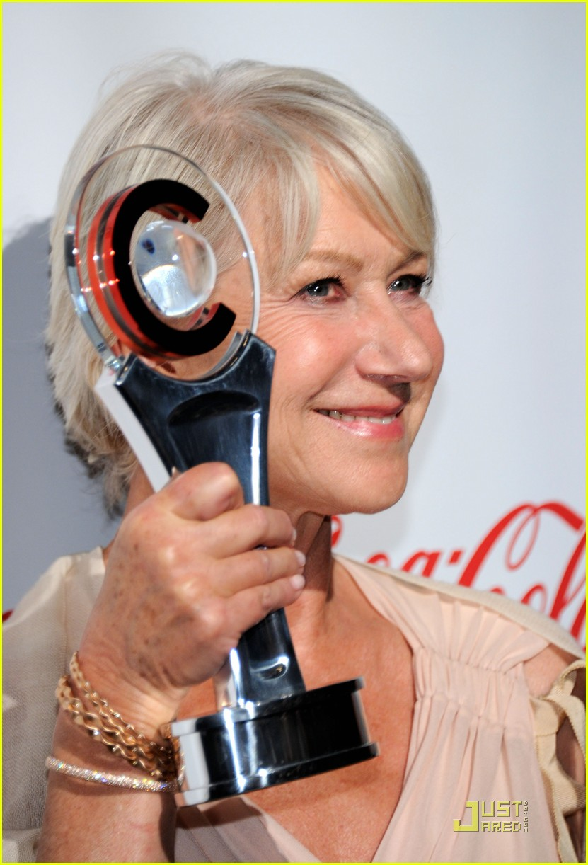 helen mirren russell brand cinemacon awards 2011 132532035
