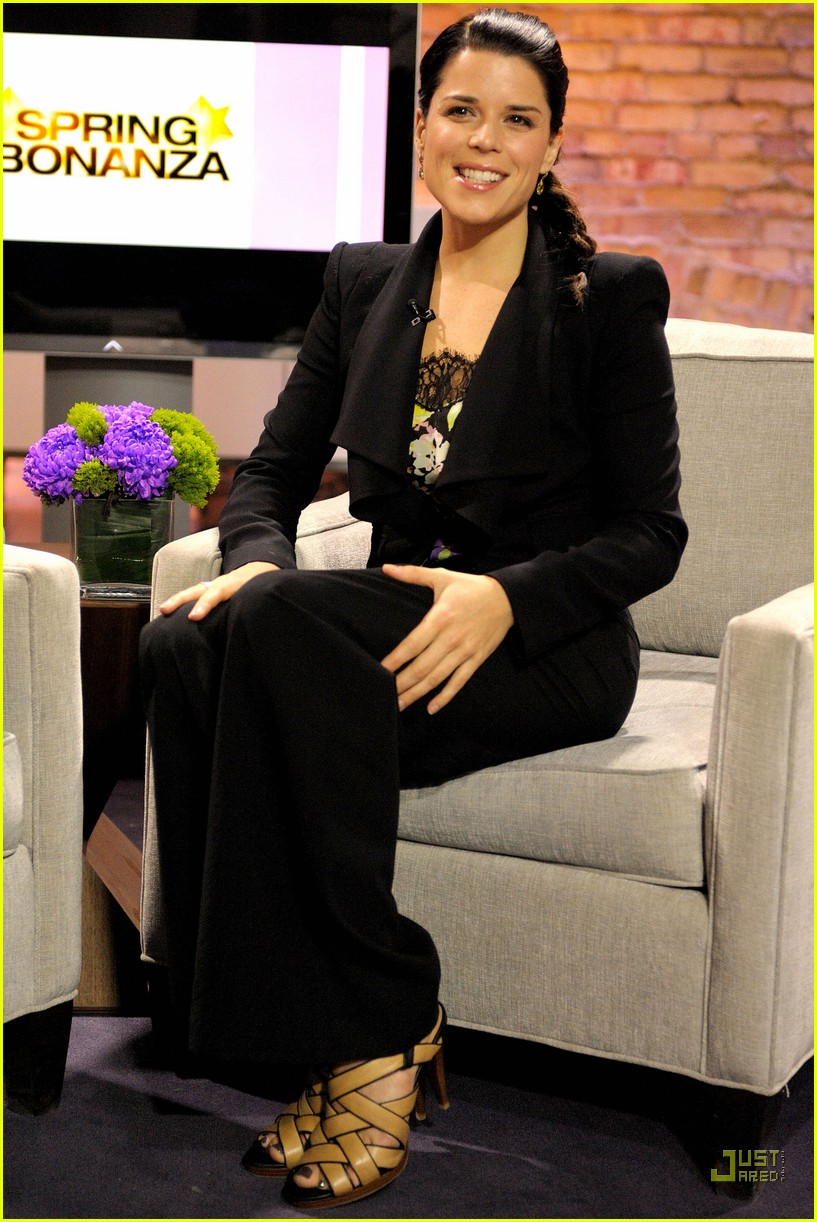 neve campbell marilyn denis show 022531794