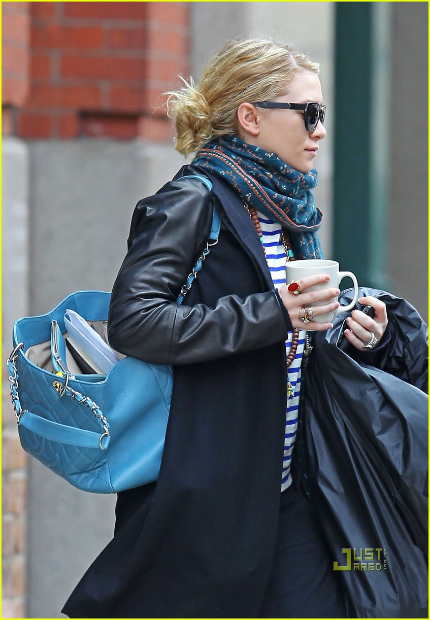 ashley olsen coffee cup nyc 012535748
