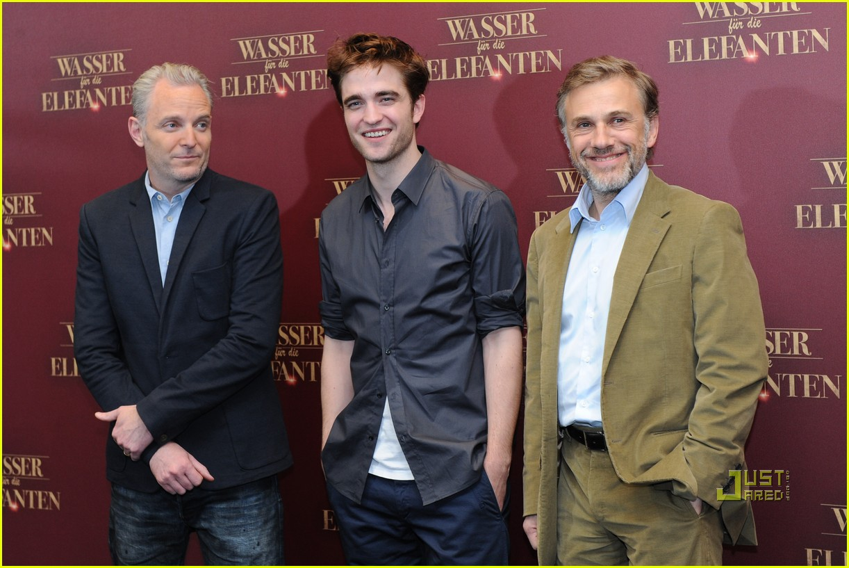 robert pattinson christoph waltz water for elephants photo call berlin 122538654