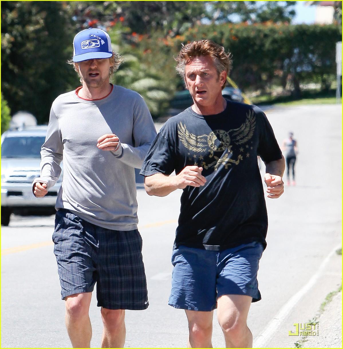sean penn scarlett johansson jogging 042534782