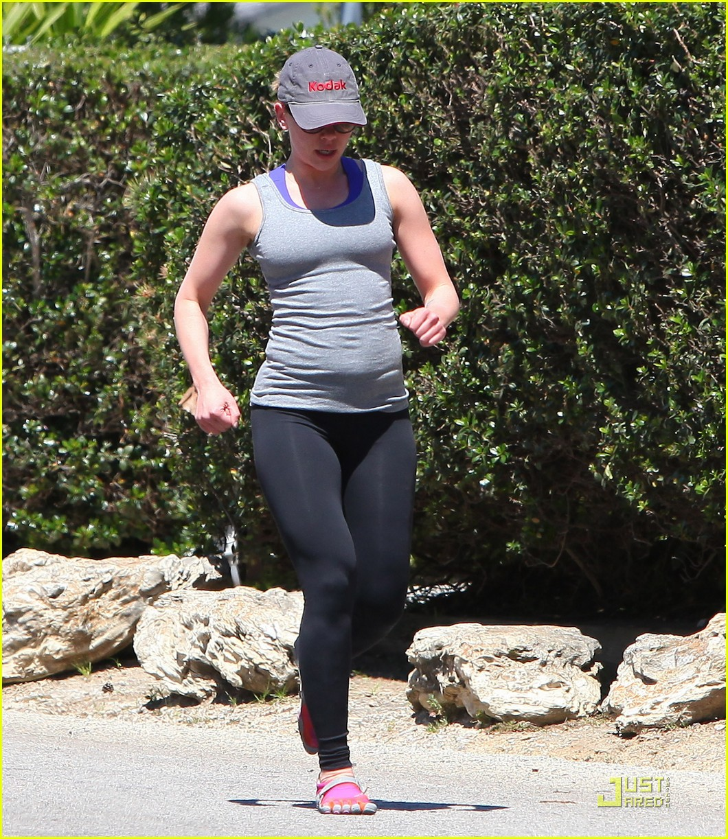 sean penn scarlett johansson jogging 082534786