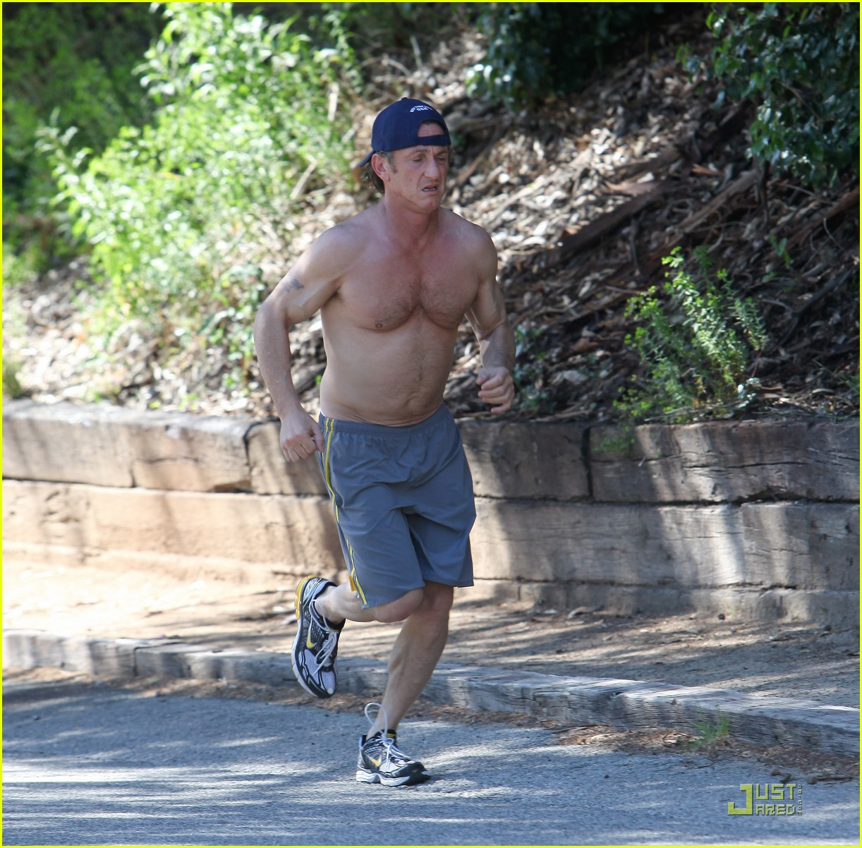 sean penn shirtless jogging 22
