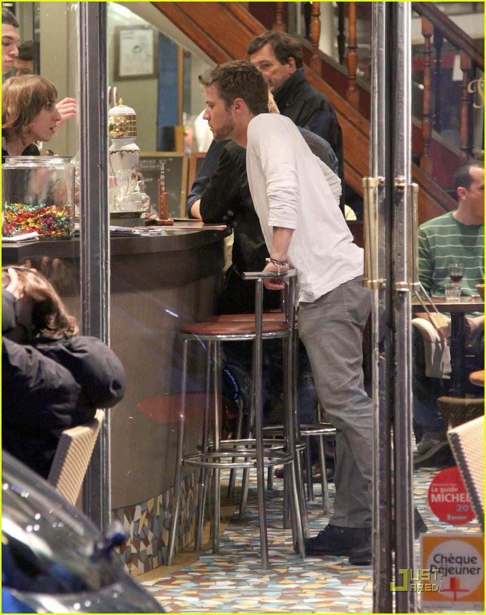 Ryan Phillippe & Amanda Seyfried: Cafe Constant Couple Ryan Phillippe