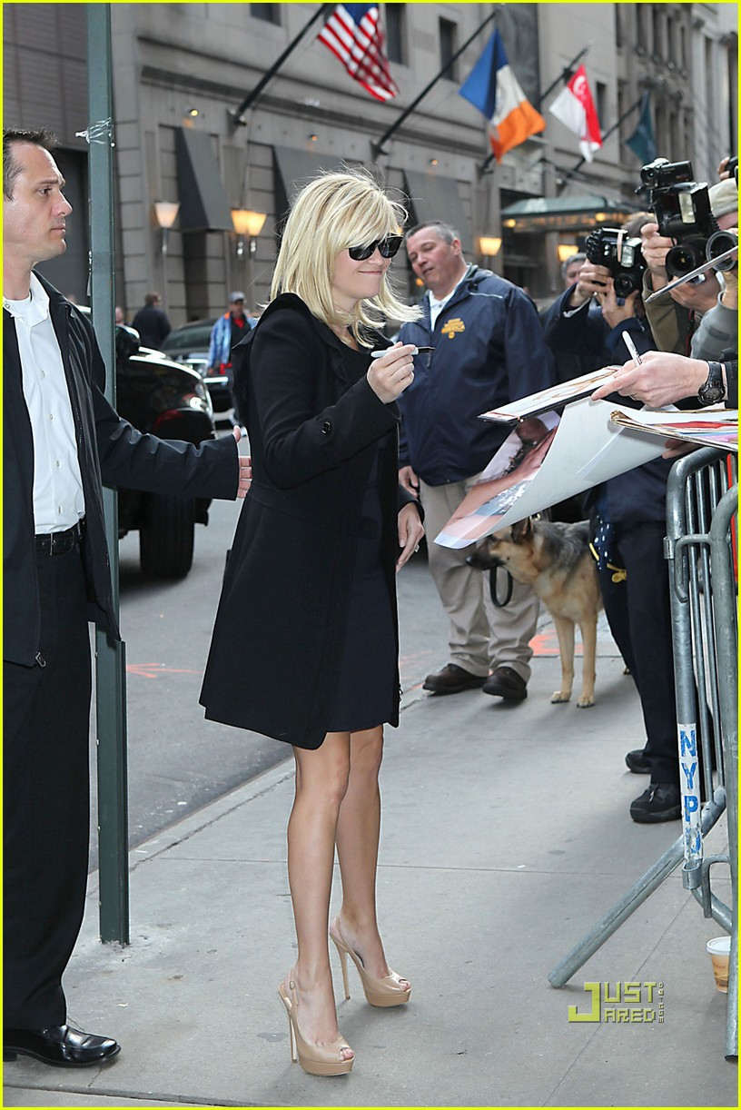 reese witherspoon good morning america 052536297