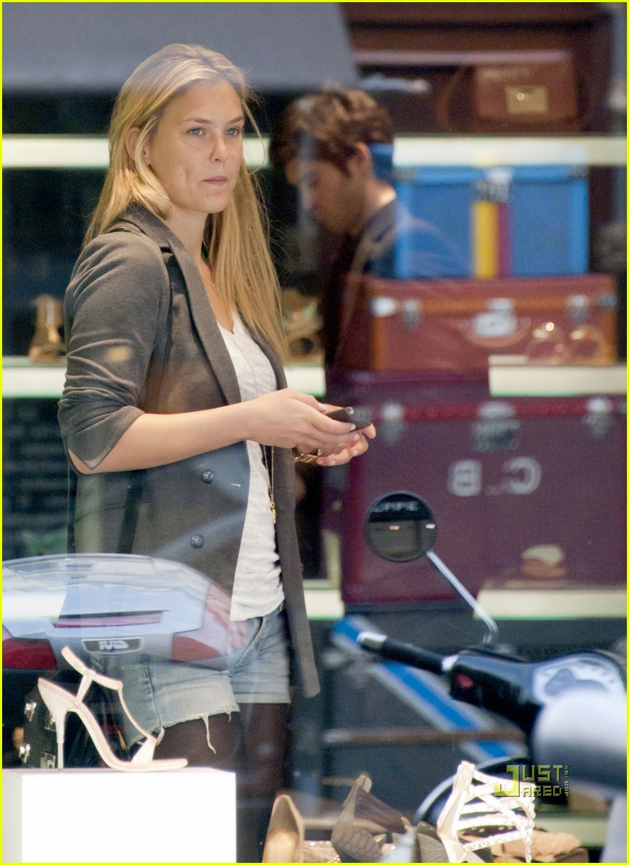bar refaeli shoe shopping paris 022533076