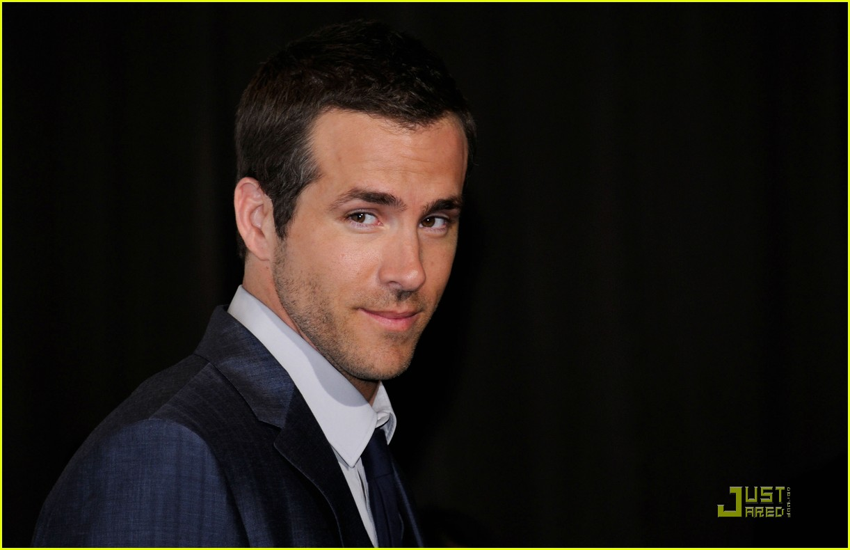 ryan reynolds cinemacon awards 2011 07