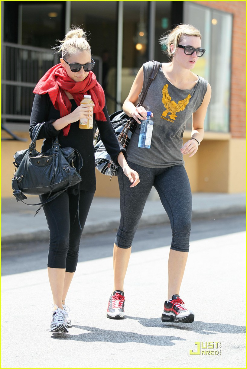 nicole richie workout woman 062538059