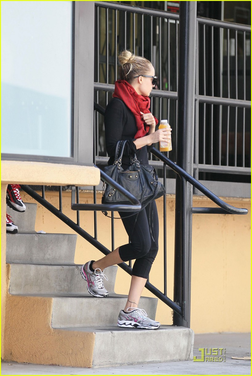 nicole richie workout woman 142538067