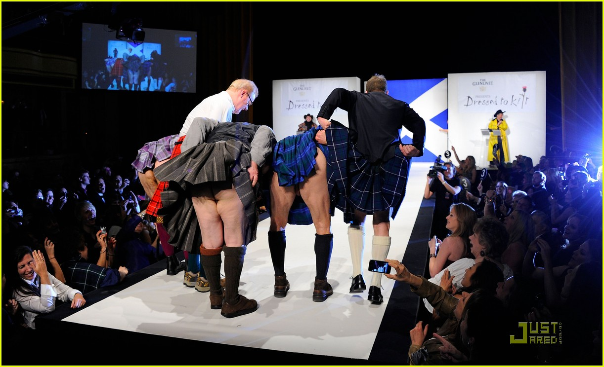 kiefer sutherland dressed to kilt 232533202