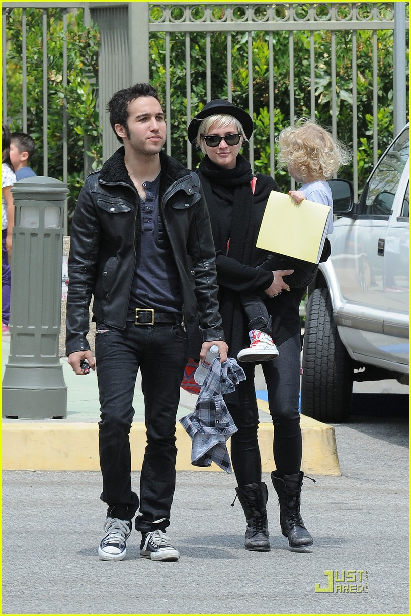 pete wentz ashlee simpson bronx train 03