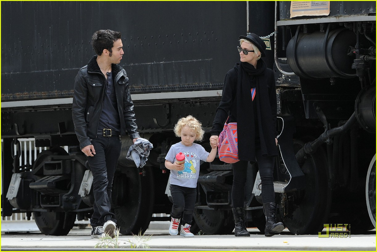 pete wentz ashlee simpson bronx train 112537590
