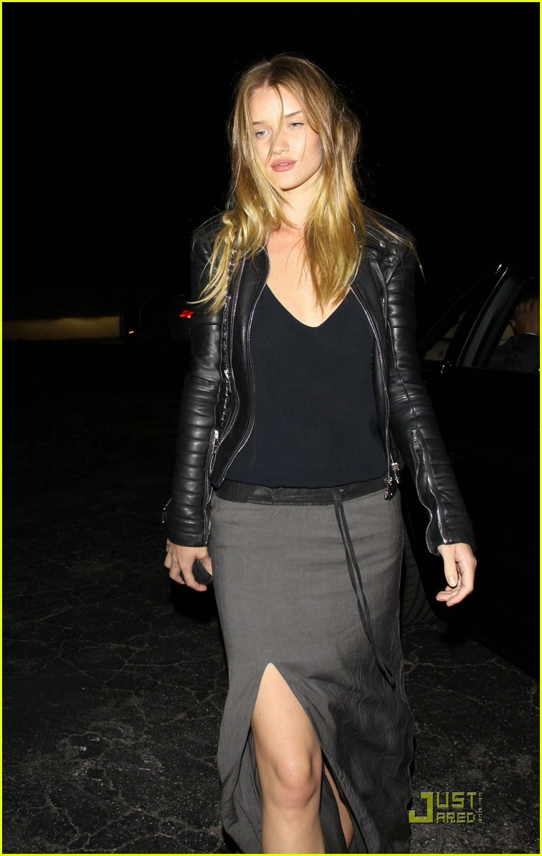 rosie huntington whiteley driver 022535671