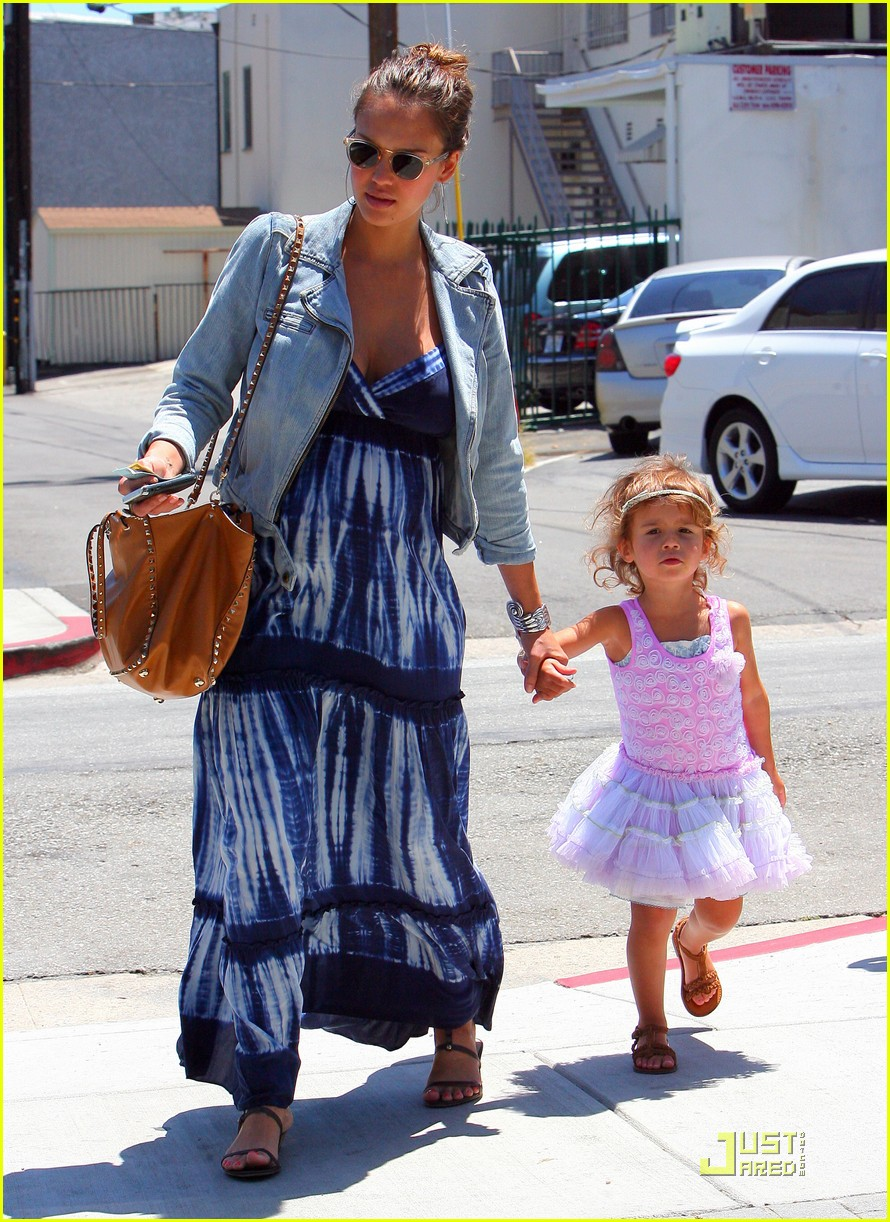 From Celebrity Baby Scoop: 5 Celebrity Moms with all ...