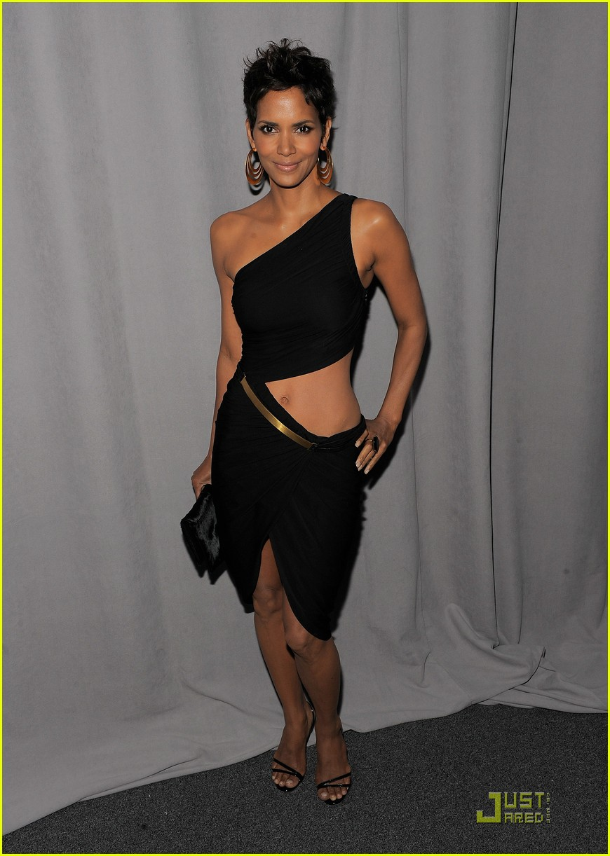 halle berry fifi awards 05
