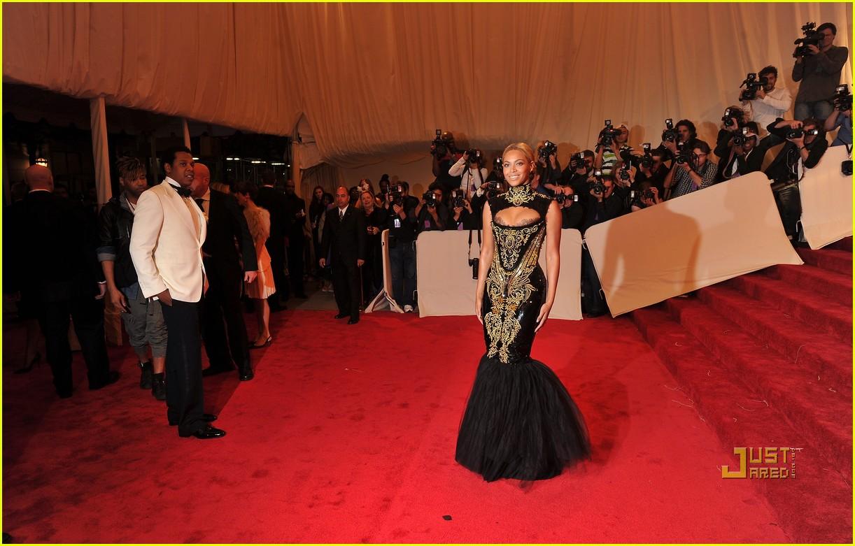 Beyonce met gala 2011