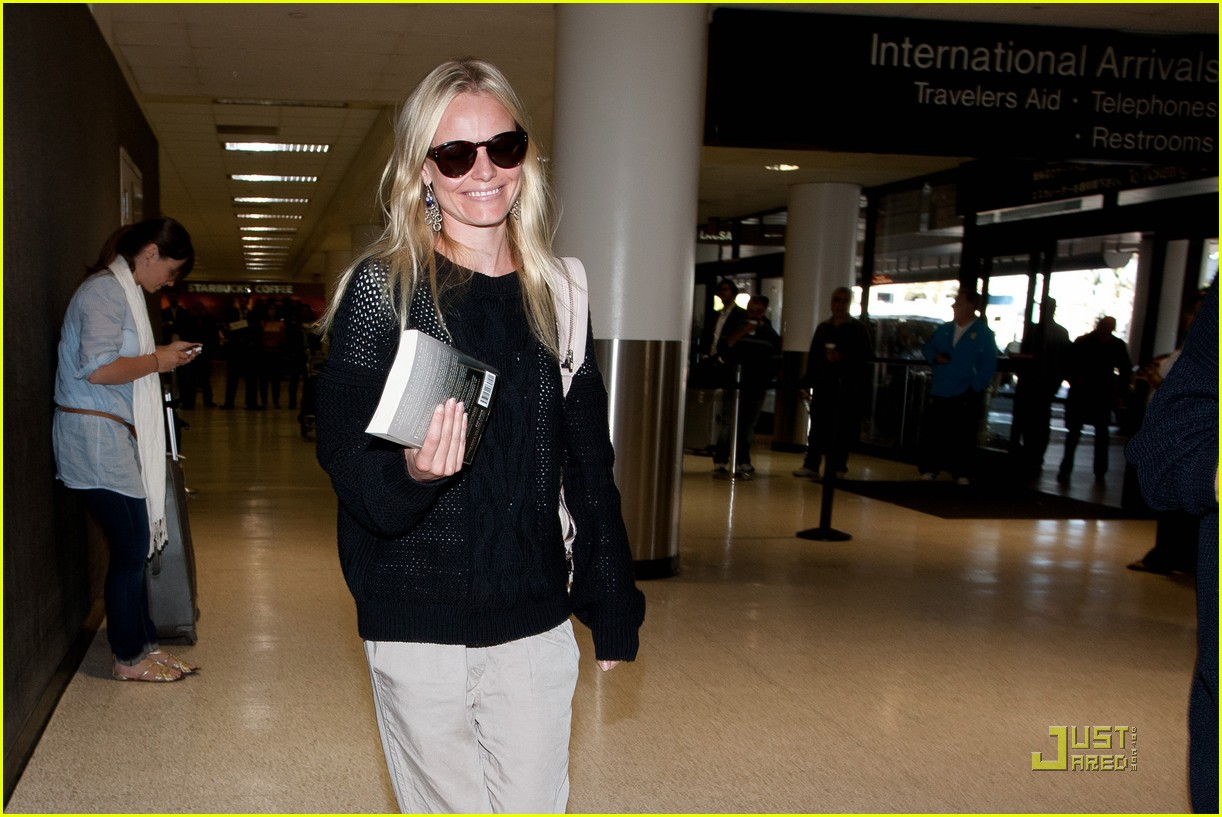 kate bosworth airport arrival 02