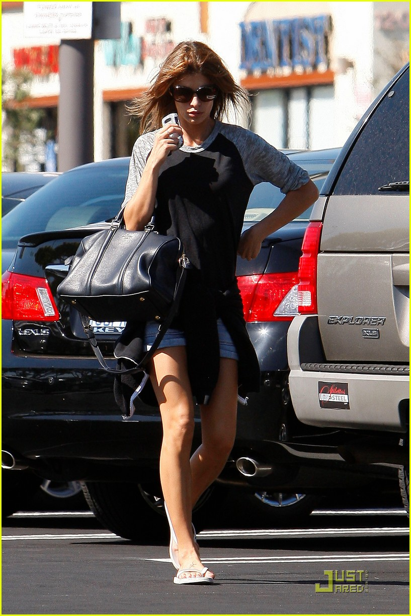 elisabetta canalis gelsons grocery gal 03