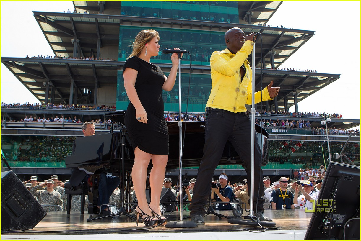 kelly clarkson seal national anthem indy 500 022548048