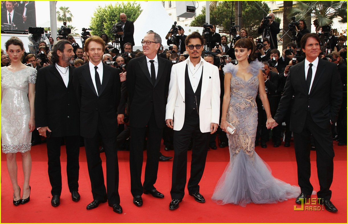 penelope cruz johnny depp pirates premiere cannes 252544008