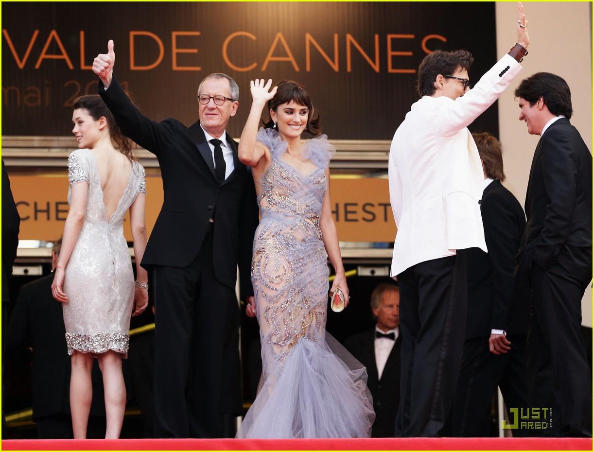 87544fa6b Penelope Cruz & Johnny Depp Premiere 'Pirates' in Cannes: Photo ...