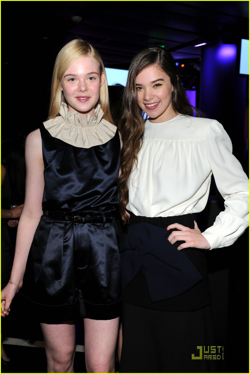 elle fanning hailee steinfeld young hollywood awards 052545975
