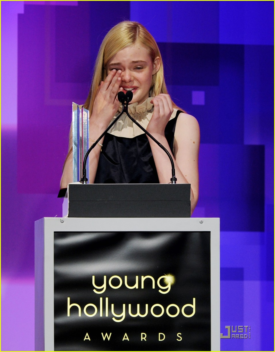 elle fanning hailee steinfeld young hollywood awards 162545986