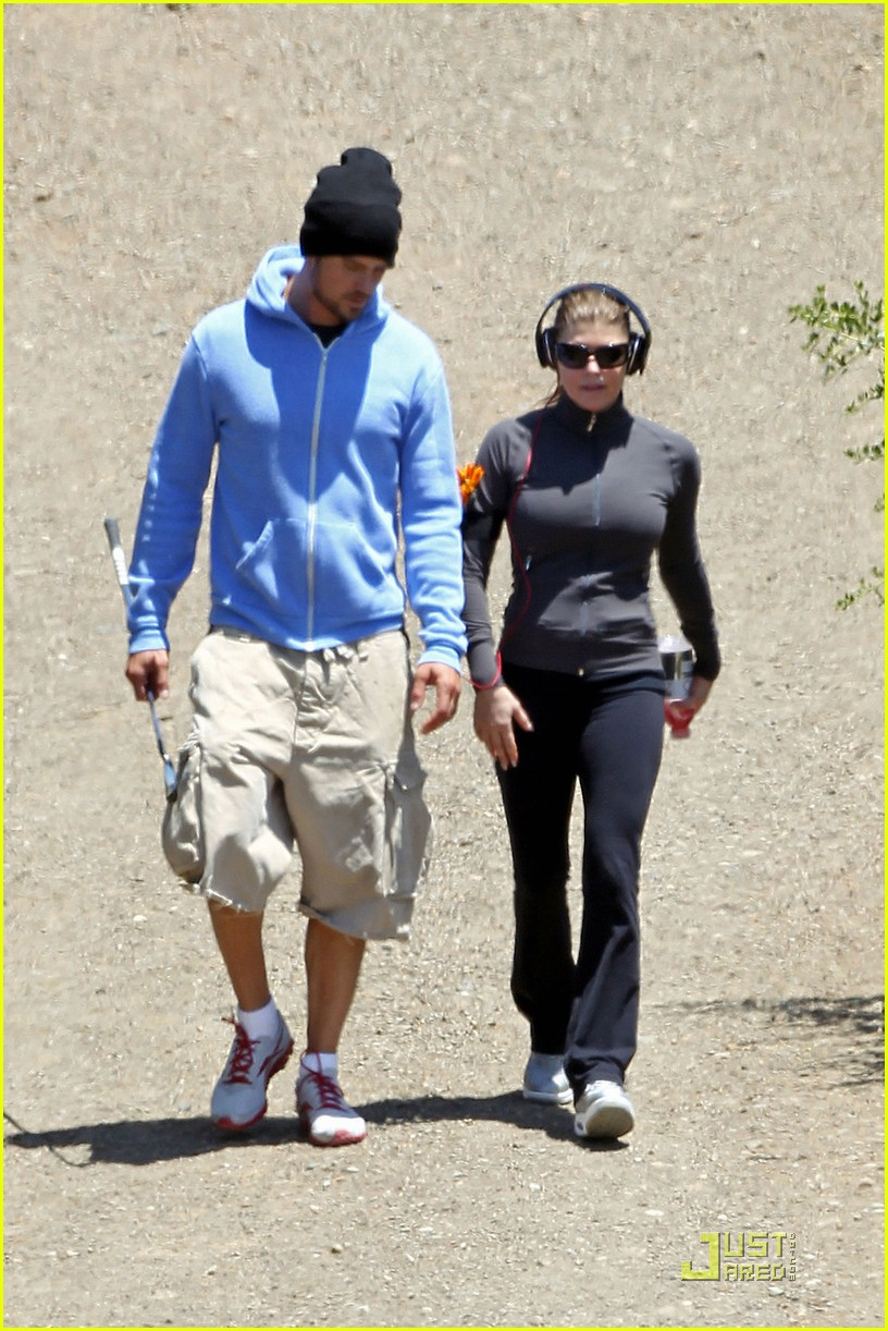 fergie josh duhamel hiking in brentwood 01