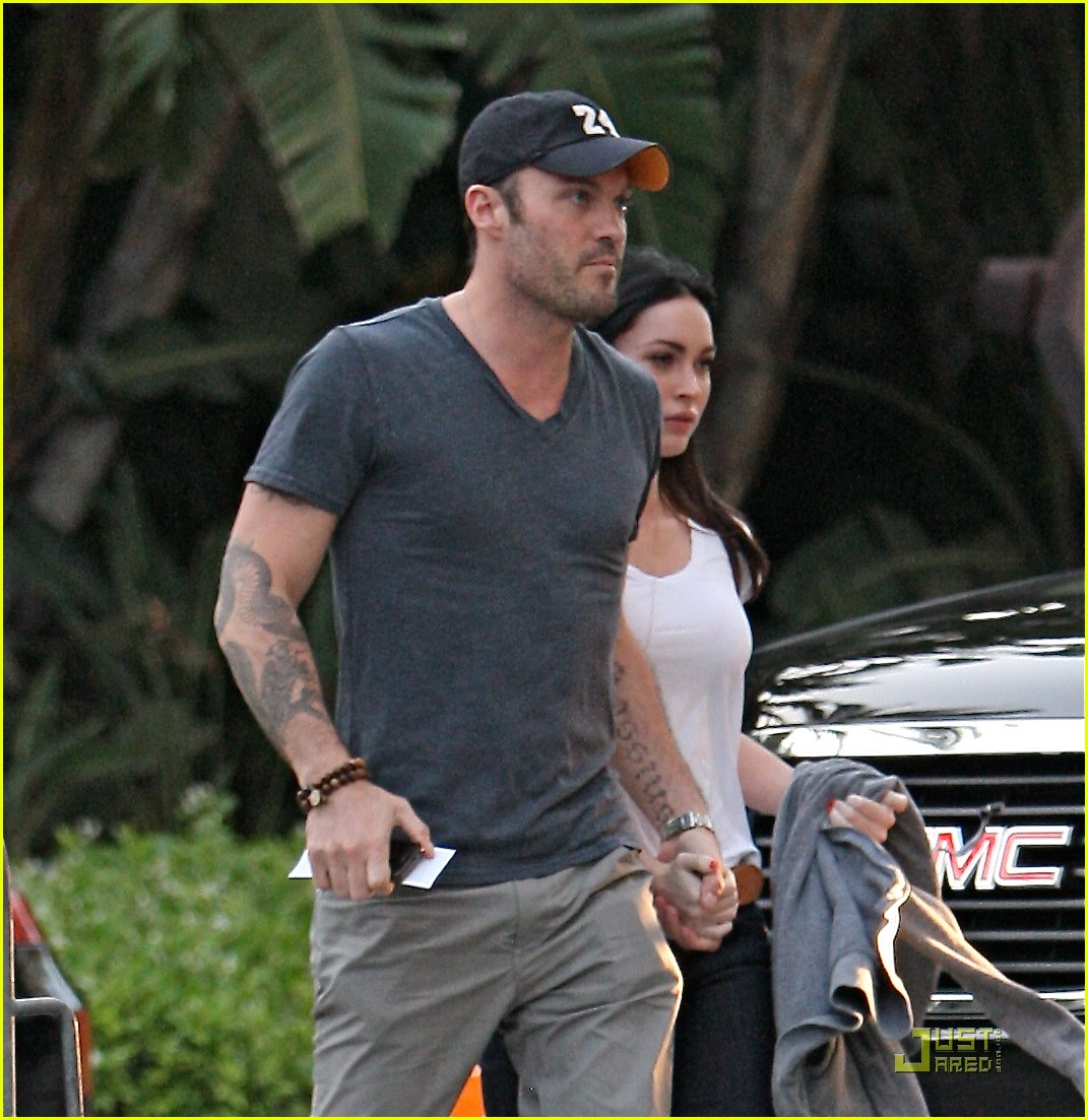 megan fox brian austin green lakers game 2 01