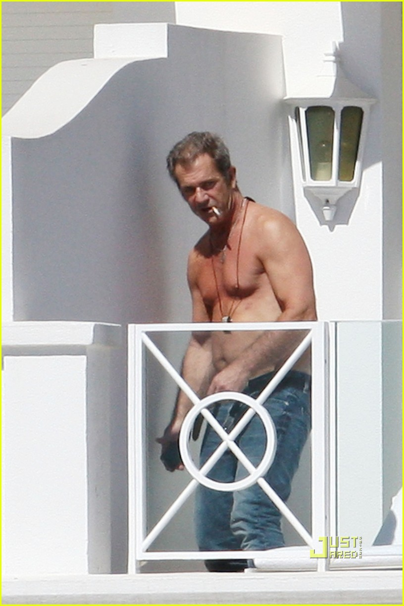 mel gibson shirtless cannes 042544888