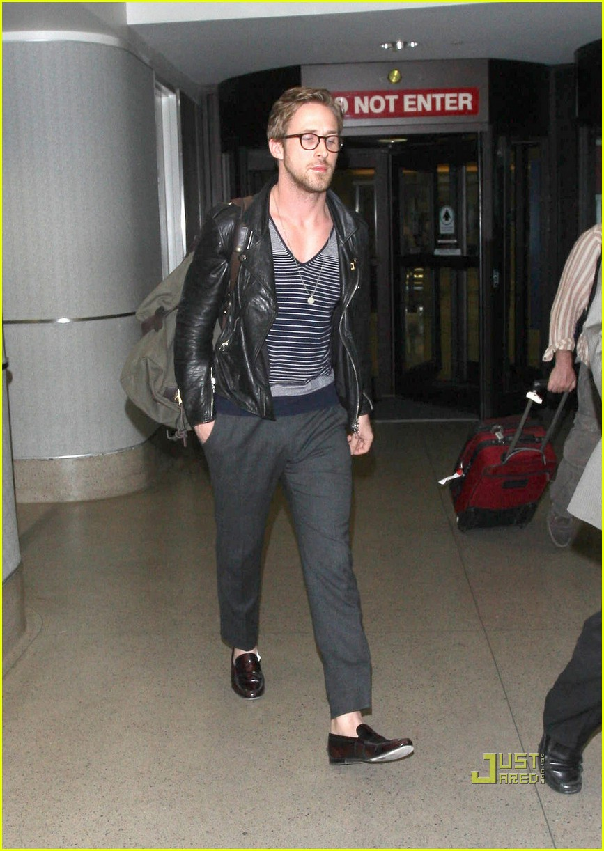 ryan gosling glasses lax 01