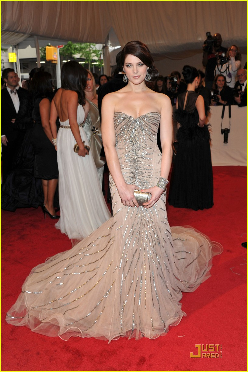 ashley greene met ball 03