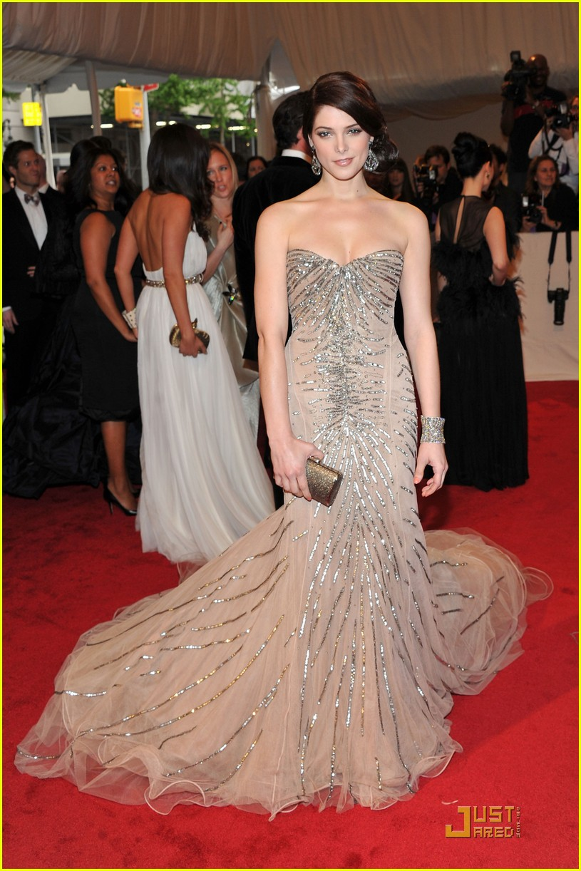 ashley greene met ball 05