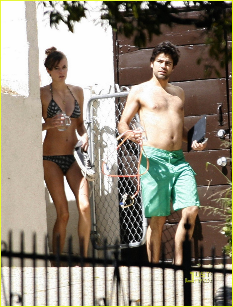 adrian grenier shirtless 042544552