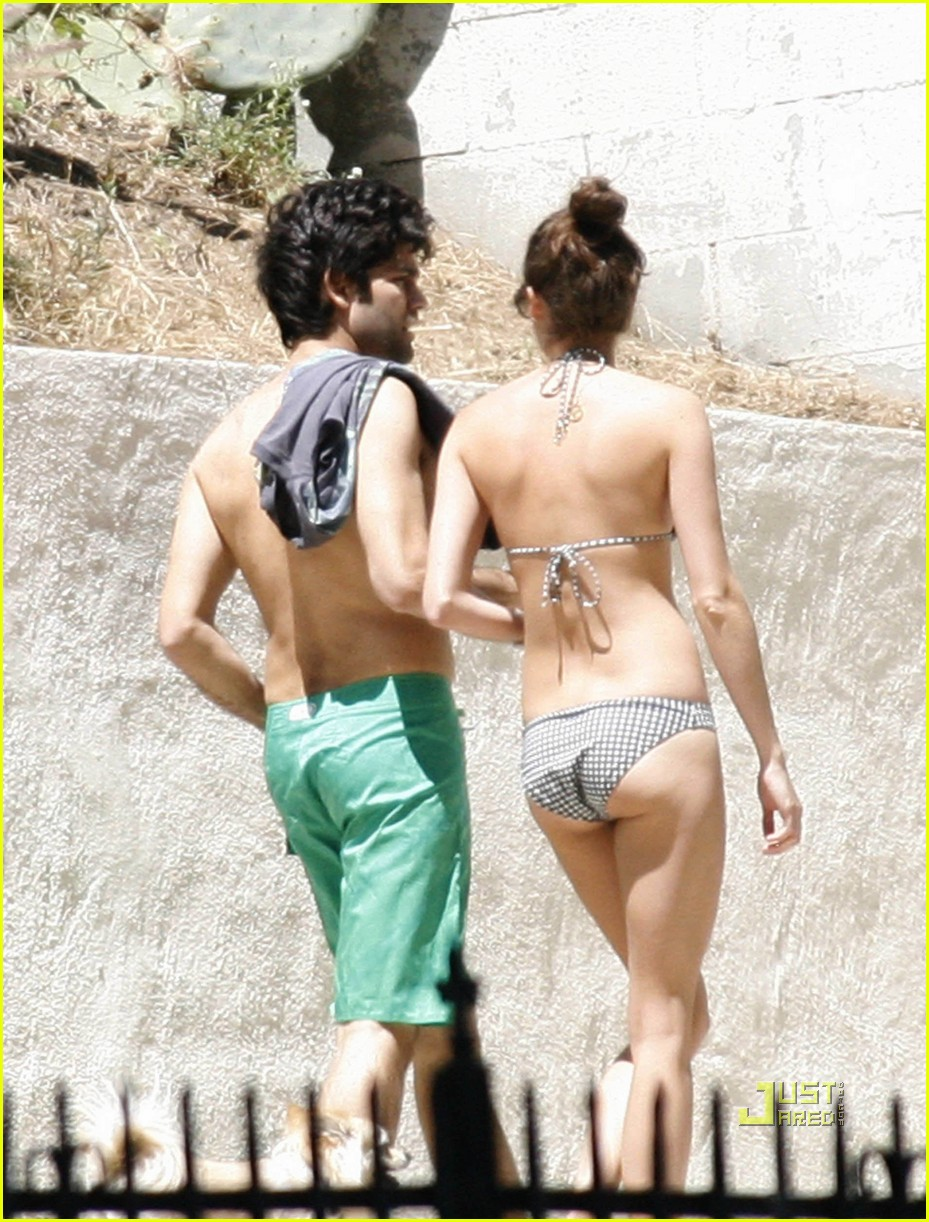 adrian grenier shirtless 072544555