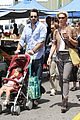 katherine heigl farmers market with naleigh and josh kelley 05