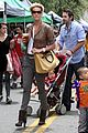 katherine heigl farmers market with naleigh and josh kelley 15