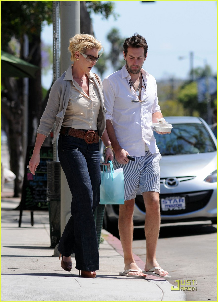 katherine heigl josh kelley kiss little doms 01