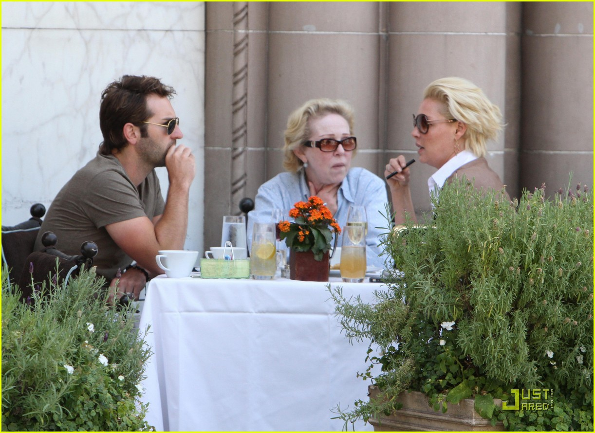 katherine heigl lunch with josh kelley and mom 022547317