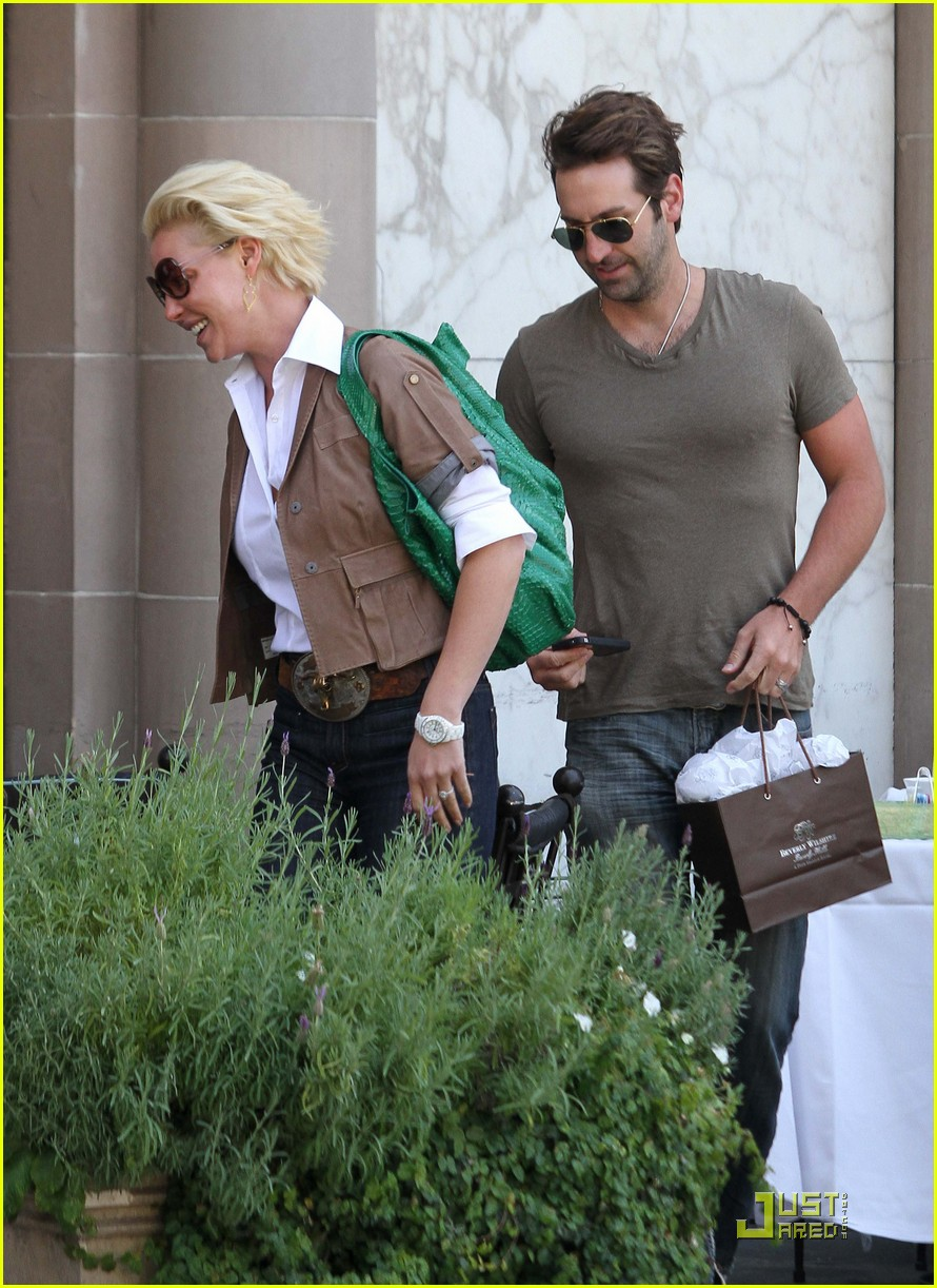 katherine heigl lunch with josh kelley and mom 102547325