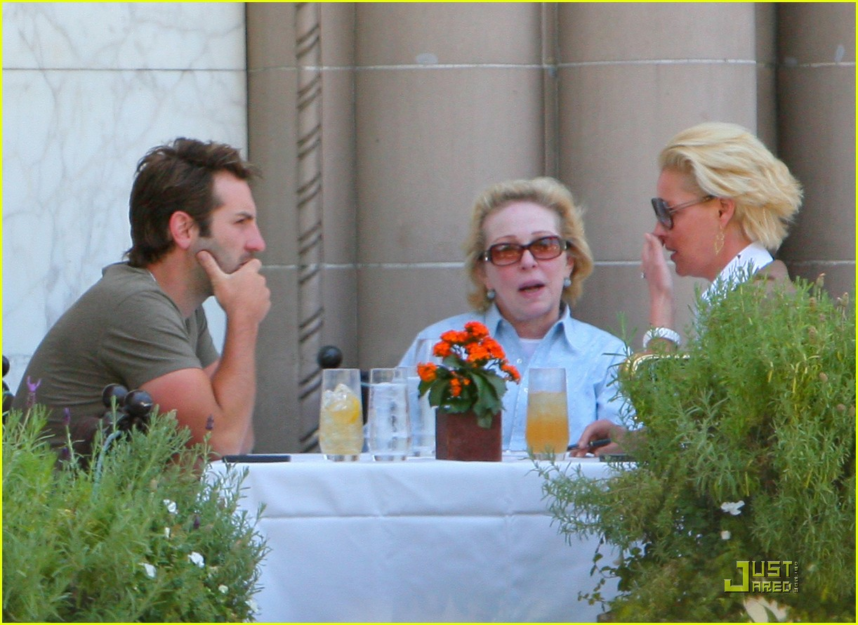 katherine heigl lunch with josh kelley and mom 12