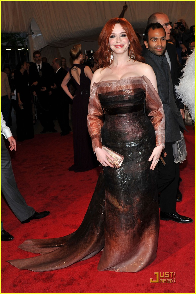 christina hendricks met ball 2011 062540292