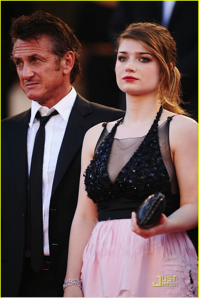 eve hewson this must be the place premiere cannes 182545758