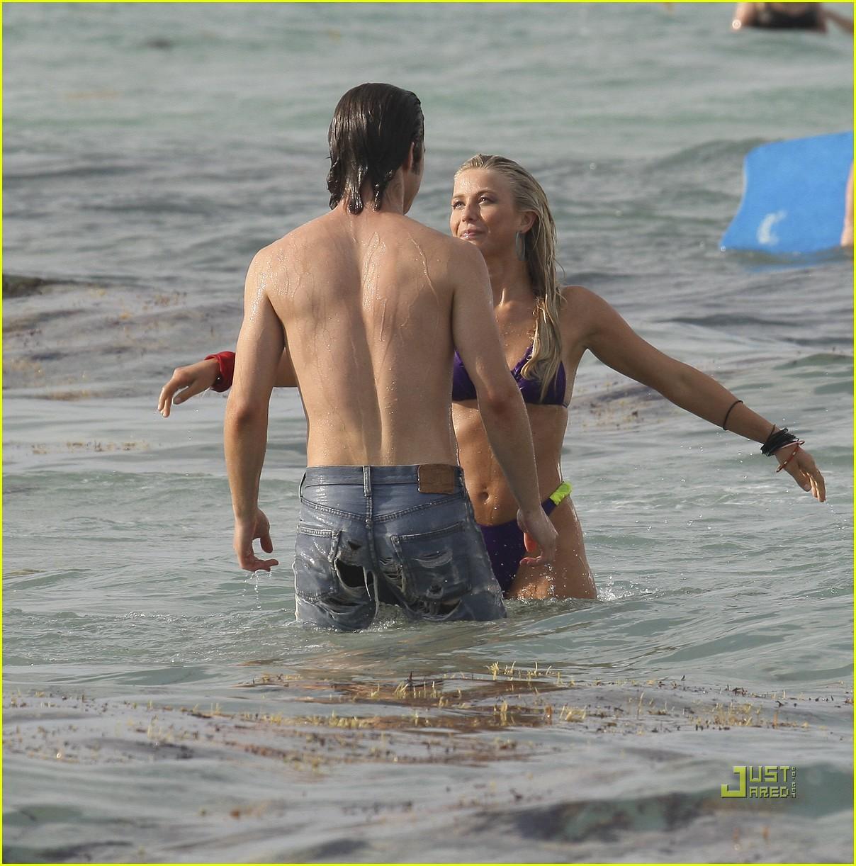 julianne hough bikini kiss diega boneta 132546899