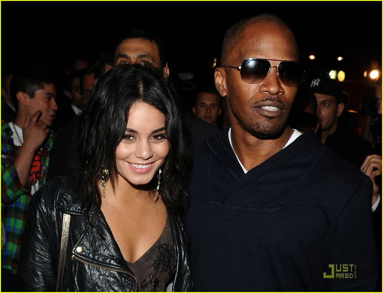 vanessa hudgens jude law belvedere red 022543734