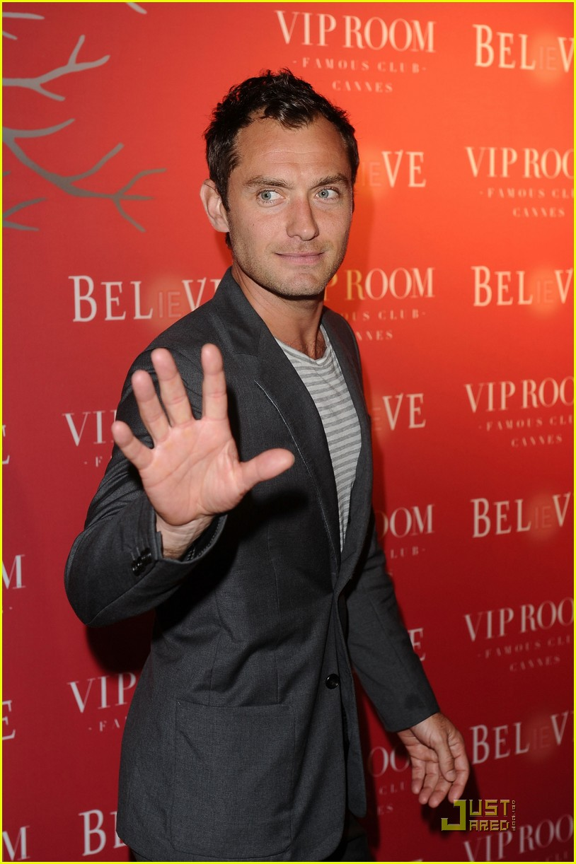 vanessa hudgens jude law belvedere red 10