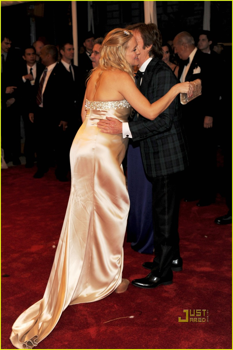 kate hudson met ball 2011 01 012540631