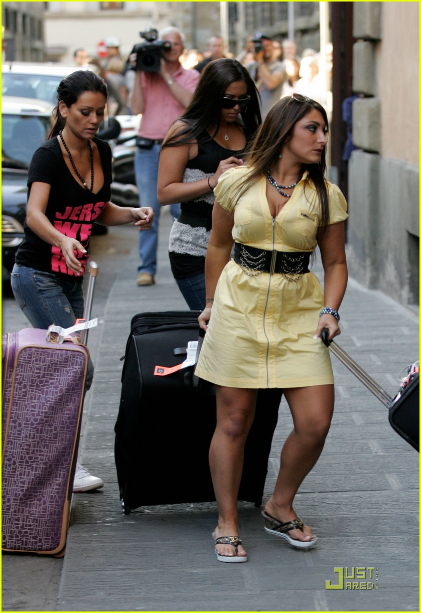 snooki the situation jersey shore cast arrives in italy 152543593